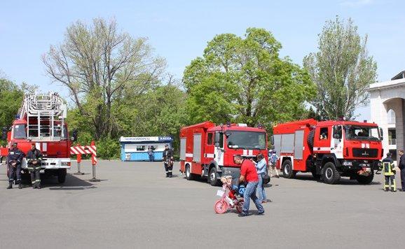 Силовики и спасатели продемонстрировали мощь в одесском парке (ВИДЕО, ФОТО), фото-2