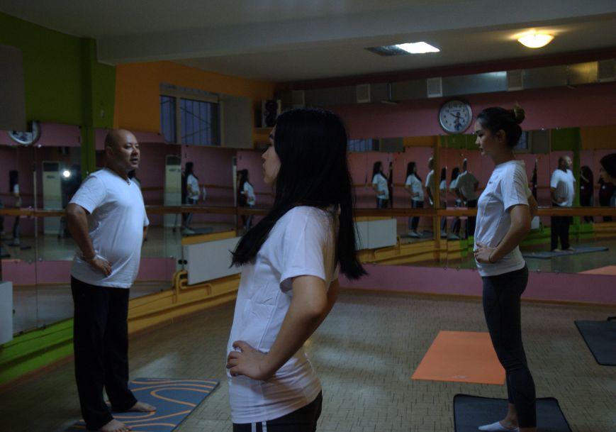 Жители Актау стали участниками йога марафона, фото-4
