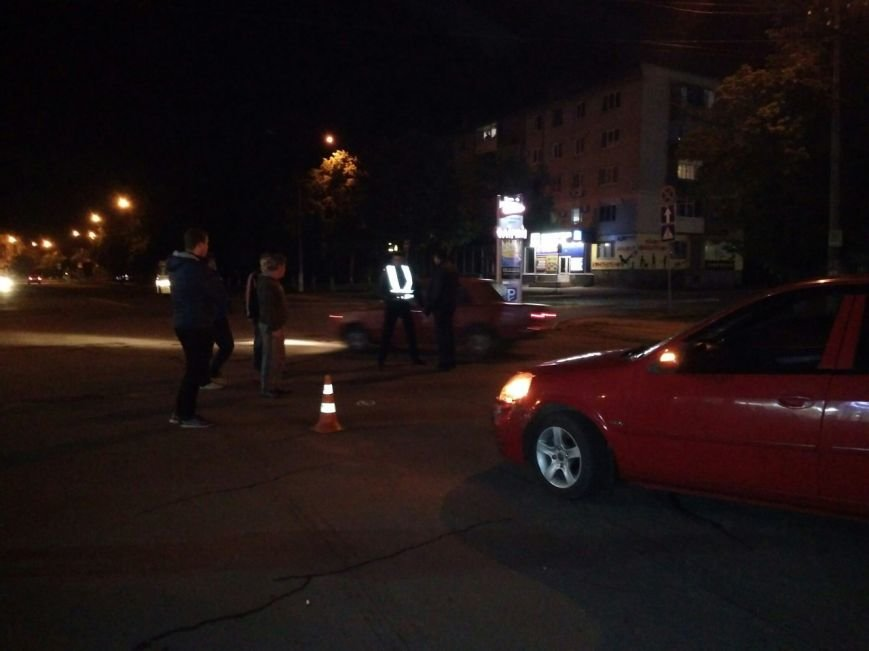 В центре Павлограда столкнулись три автомобиля (ФОТО), фото-4