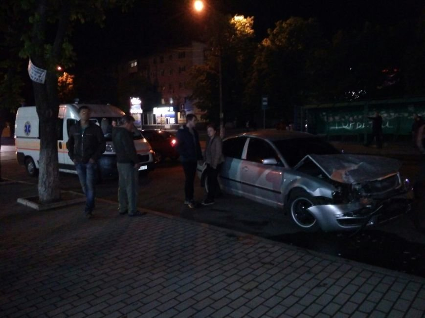 В центре Павлограда столкнулись три автомобиля (ФОТО), фото-1