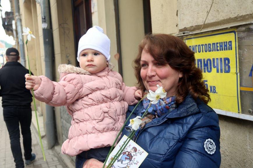 У Львові відбулась хода до Дня матері: фоторепортаж, фото-12