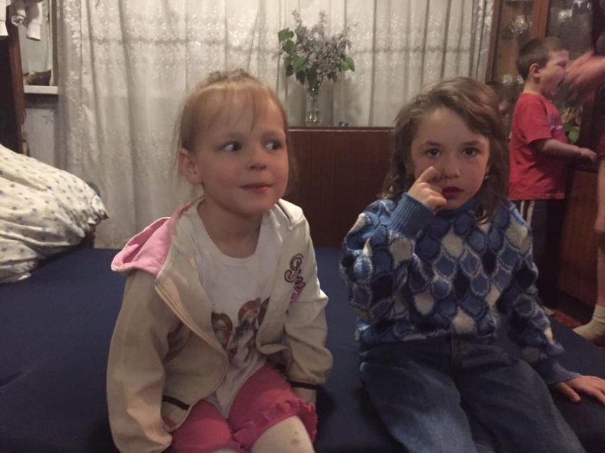 Сепаратисты обстреляли мирные кварталы Авдеевки: погибли четыре человека, один ранен, двое детей остались сиротами (ФОТО), фото-1