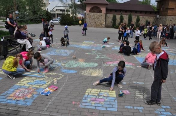 В Бахмуте прошли мероприятия по случаю Дня Европы в Украине (ФОТО), фото-2