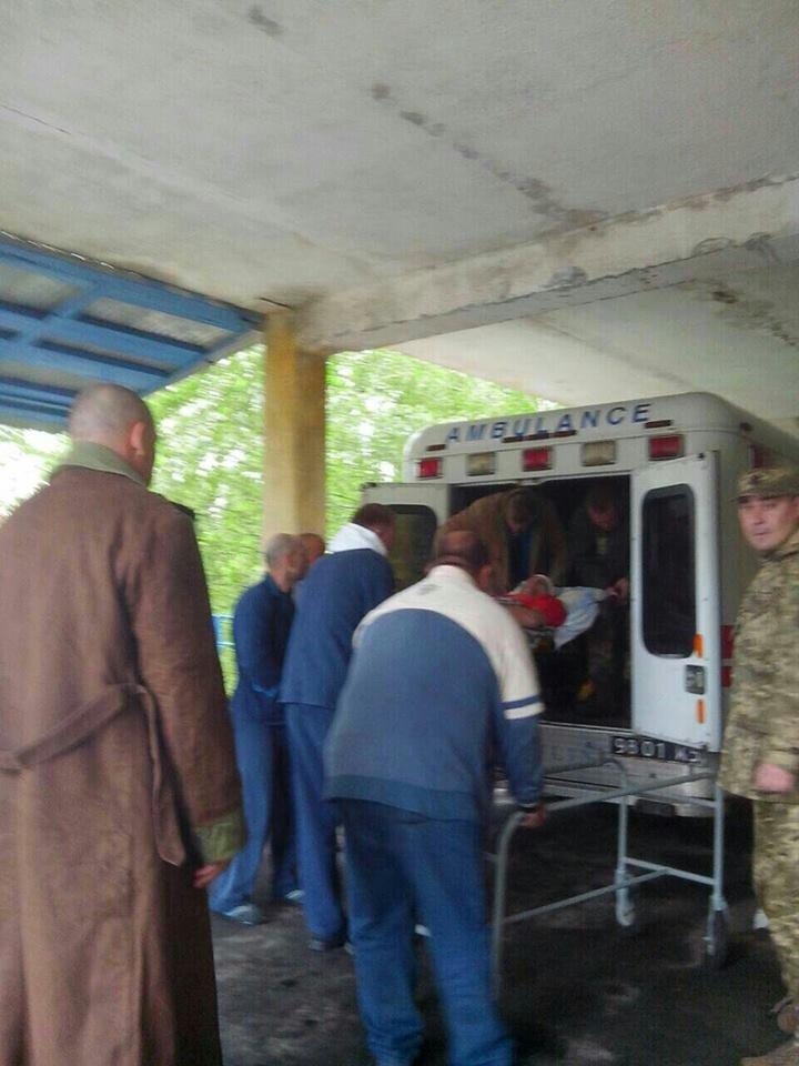 В госпиталь Харькова привезли бойцов с разными травмами и ранениями (ФОТО), фото-1