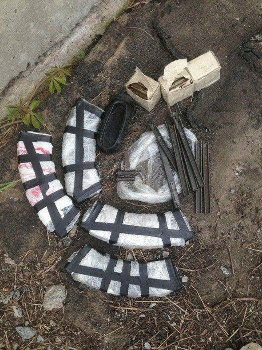 На Донбассе обнаружили два тайника с оружием и боеприпасами, фото-1