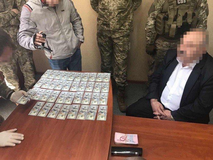 В Луганской области задержали предпринимателя, который пытался дать взятку прокурору (ФОТО), фото-1