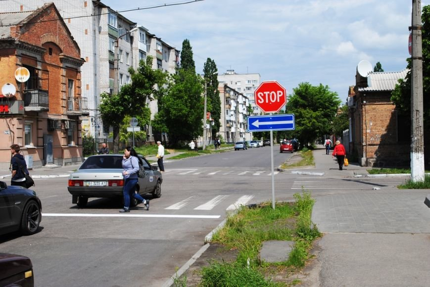 Теперь водители точно знают, кто кому уступает дорогу на перекрёстке улиц Шевченко и Мазепы (ФОТО), фото-1