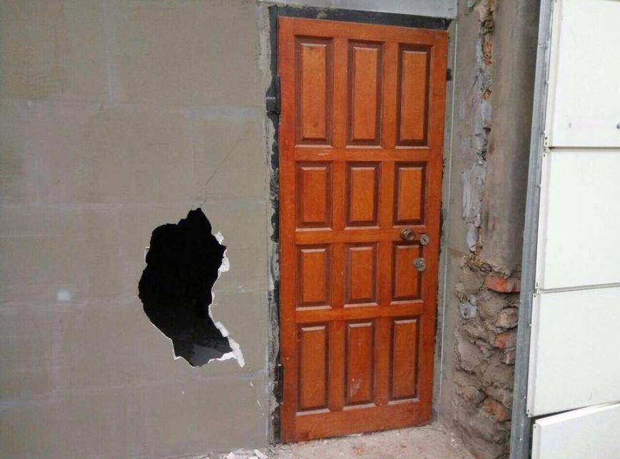 Срочно! В Одессе обезумевший активист с ружьем пытался захватить здание (ФОТО), фото-1