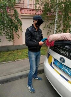 Срочно! В Одессе обезумевший активист с ружьем пытался захватить здание (ФОТО), фото-3
