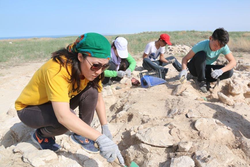 Ученики Назарбаев Интеллектуальной школы стали участниками археологических раскопок, фото-1