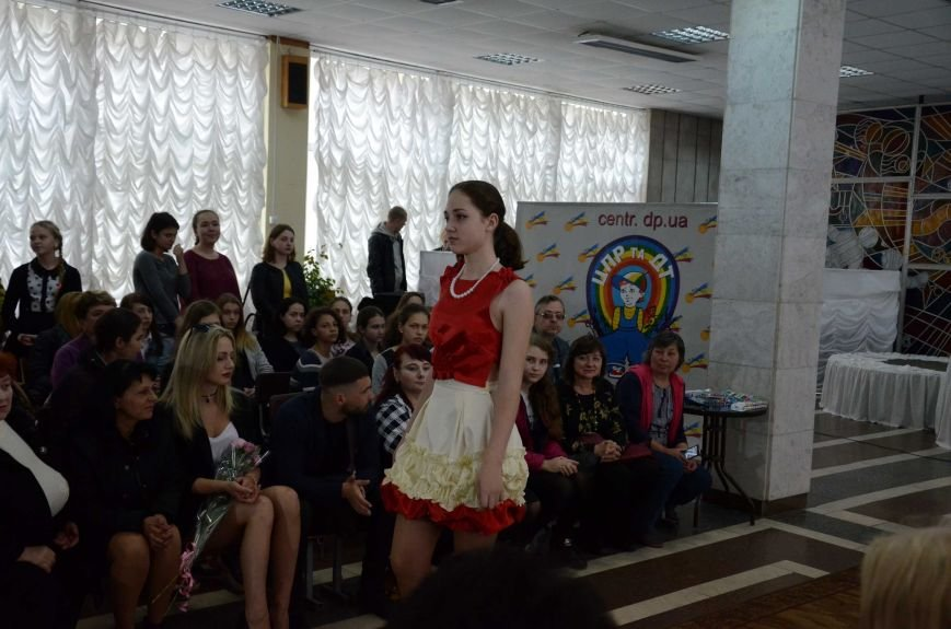 В Каменском наградили юных дизайнеров одежды, фото-24