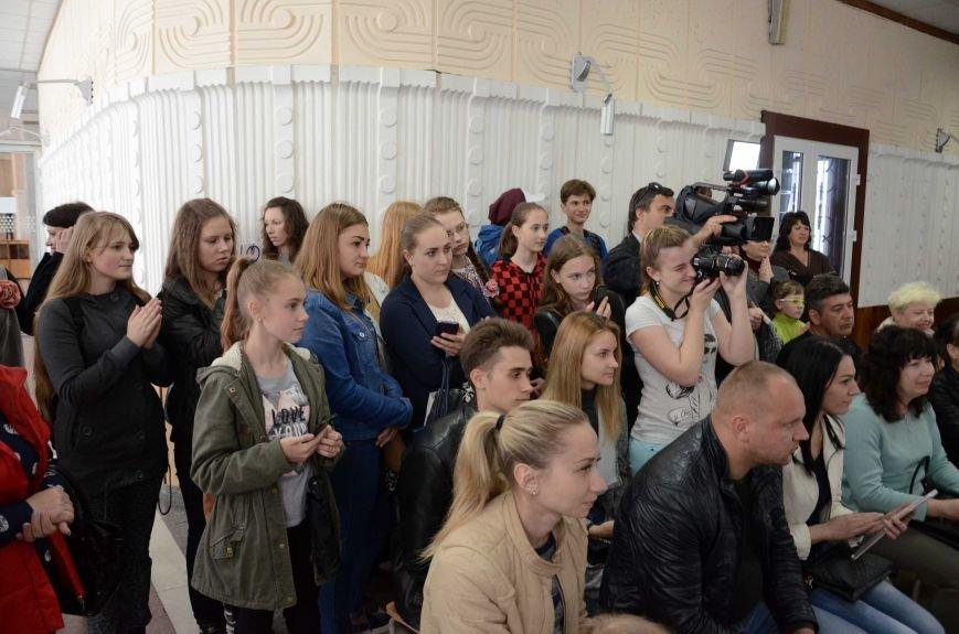 В Каменском наградили юных дизайнеров одежды, фото-11