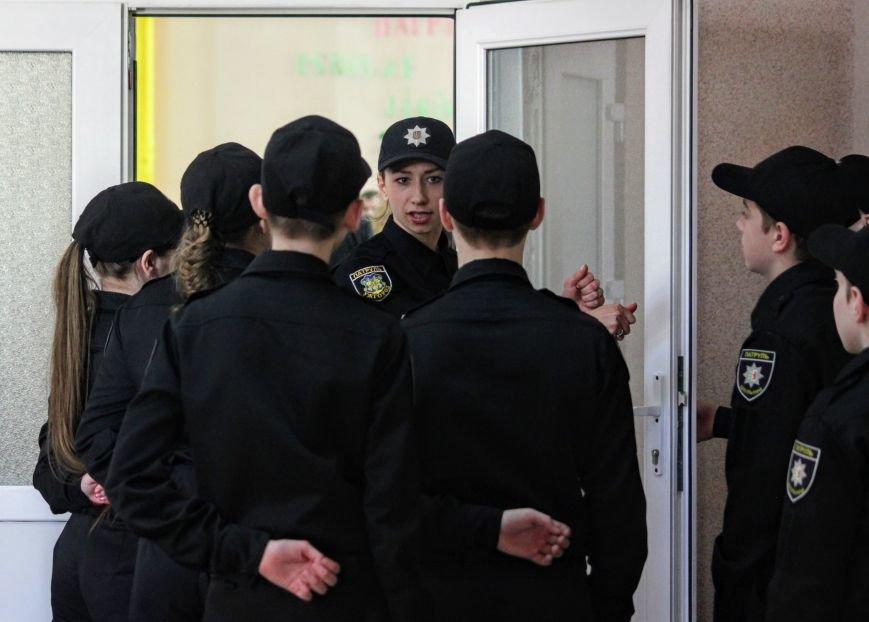 Перший шкільний патруль Ужгорода розпочав свою роботу в угорській ЗОШ №10: фоторепортаж, фото-1