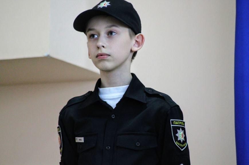 Перший шкільний патруль Ужгорода розпочав свою роботу в угорській ЗОШ №10: фоторепортаж, фото-13