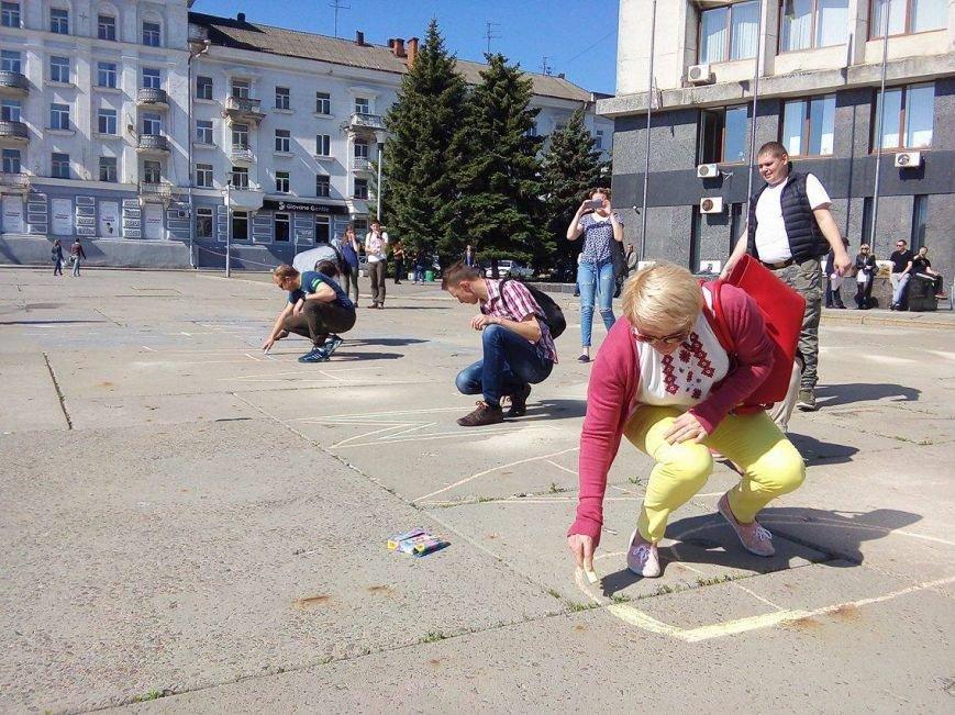 «Хрен вам, а не 5 гривен»: в Сумах протестуют против  повышения стоимости проезда в маршрутках (ФОТО), фото-9