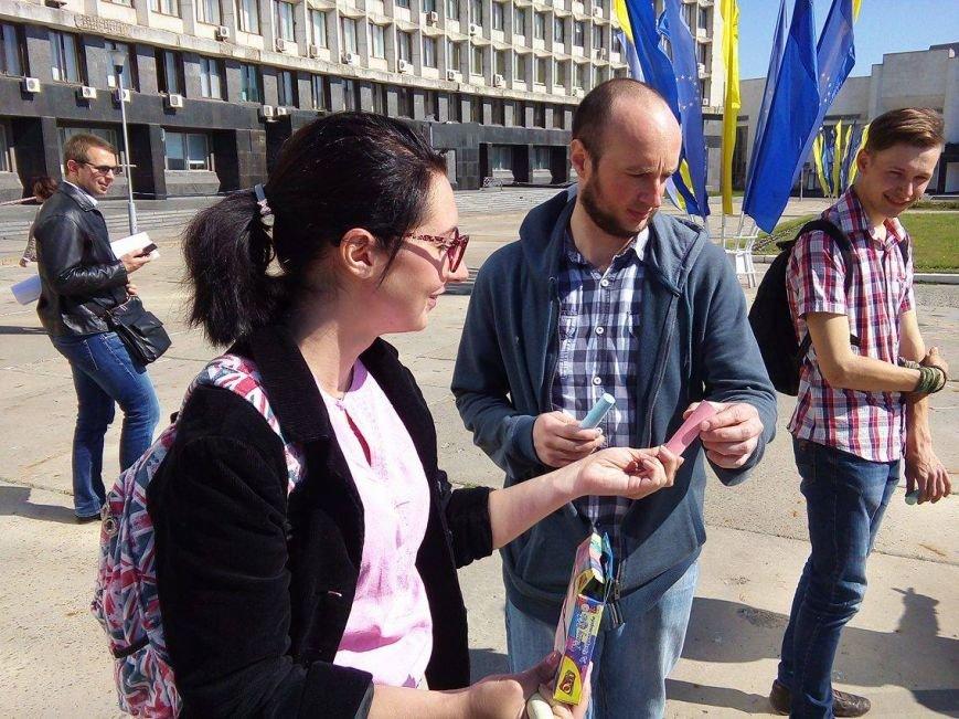 «Хрен вам, а не 5 гривен»: в Сумах протестуют против  повышения стоимости проезда в маршрутках (ФОТО), фото-8