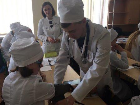 У Новоград-Волинському медичному коледжі відбувся захід до Всесвітнього дня боротьби з артеріальною гіпертонією, фото-3