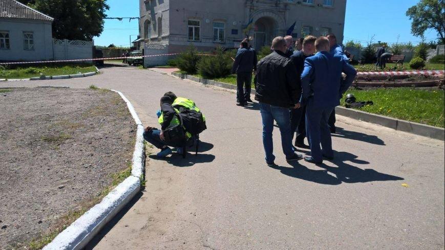 Стрельба в селе на Харьковщине: трое раненых, один убитый (ФОТО), фото-2