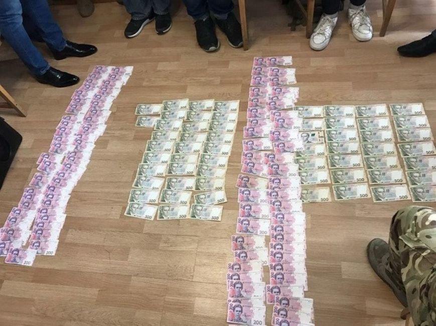 На Житомирщині затримано начальника відділу податкової, який вимагав з підприємства 100 тис. грн, фото-1