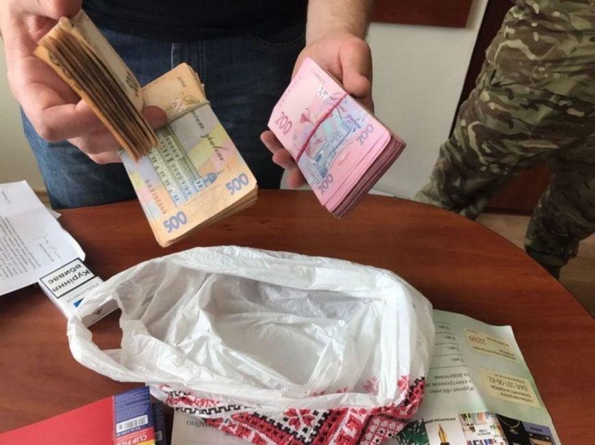 На Житомирщині затримано начальника відділу податкової, який вимагав з підприємства 100 тис. грн, фото-2