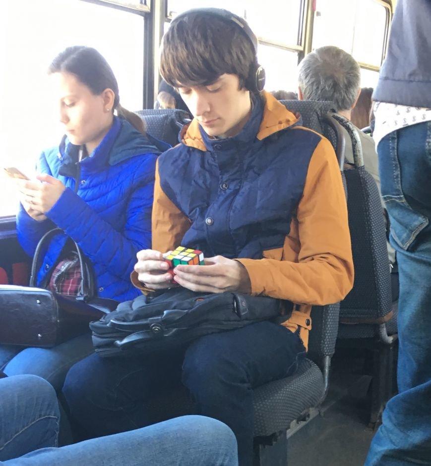 Ульяновец собирает Кубик Рубика за пару минут, фото-1