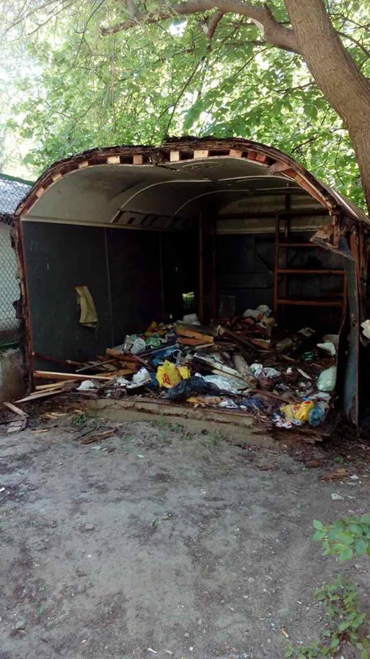 Муниципальная полиция ликвидировала в Чернигове первый незаконный «гараж-сарай», фото-1