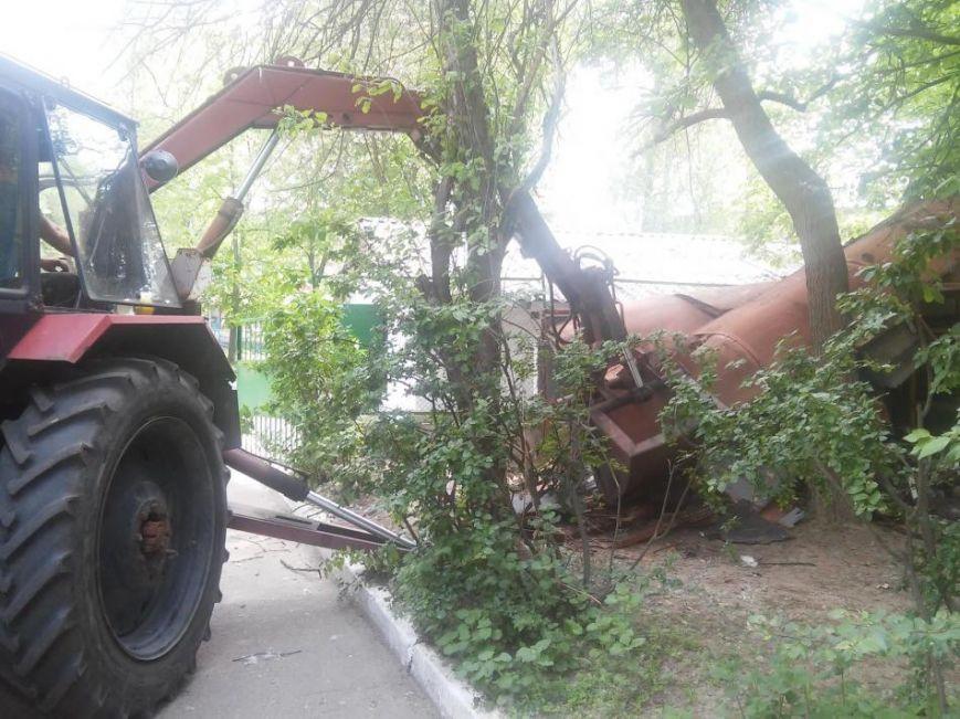 Муниципальная полиция ликвидировала в Чернигове первый незаконный «гараж-сарай», фото-4