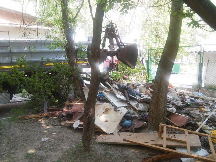 Муниципальная полиция ликвидировала в Чернигове первый незаконный «гараж-сарай», фото-5