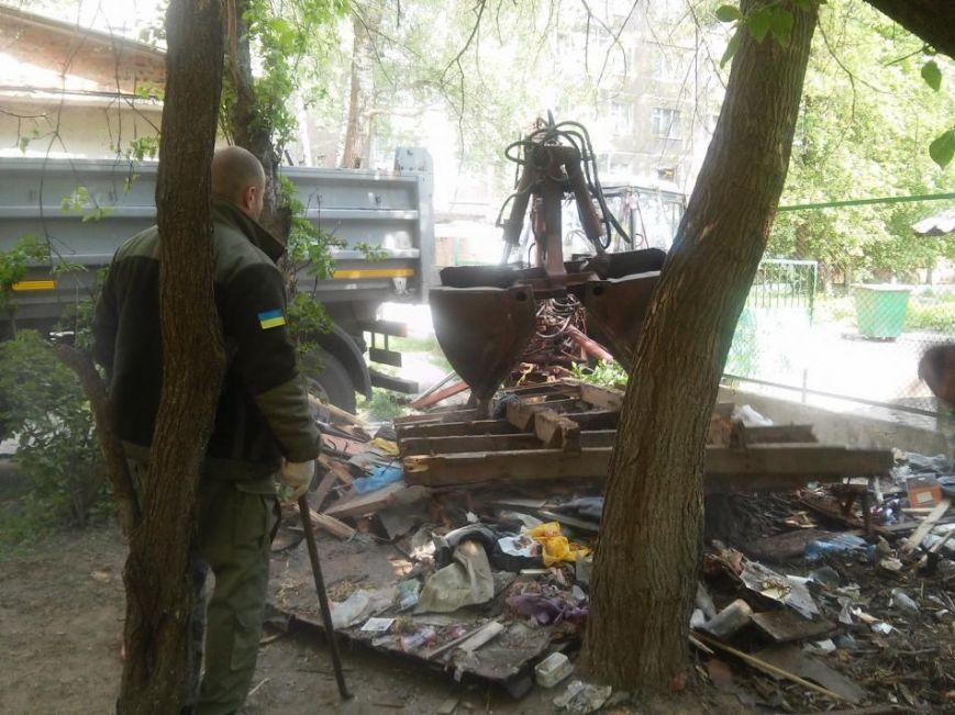 Муниципальная полиция ликвидировала в Чернигове первый незаконный «гараж-сарай», фото-6