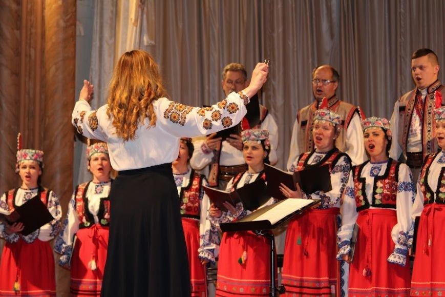 В Ужгороді відбувся авторський концерт відомого українського композитора Віктора Теличка: фото, фото-2