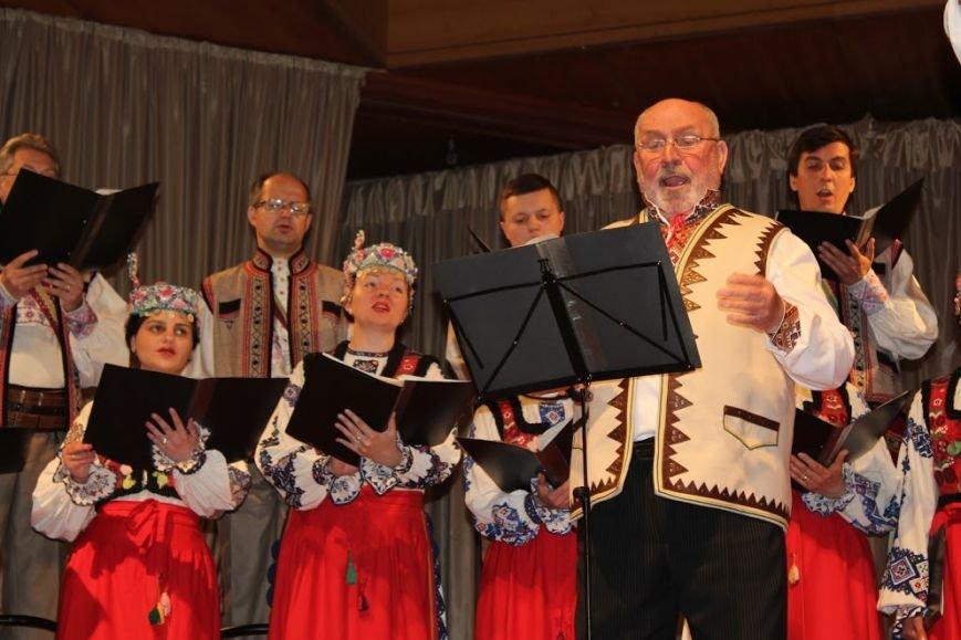 В Ужгороді відбувся авторський концерт відомого українського композитора Віктора Теличка: фото, фото-3