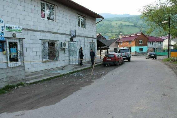 На Закарпатті демобілізований учасник АТО підірвав кафе: один з відвідувачів у важкому стані (ФОТО), фото-1
