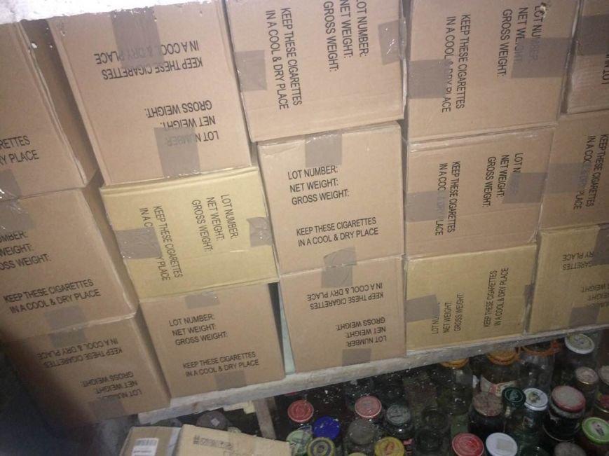 Як виглядає партія цигарок на мільйон гривень, вилучена силовиками у мешканця Закарпаття: фото, відео, фото-4
