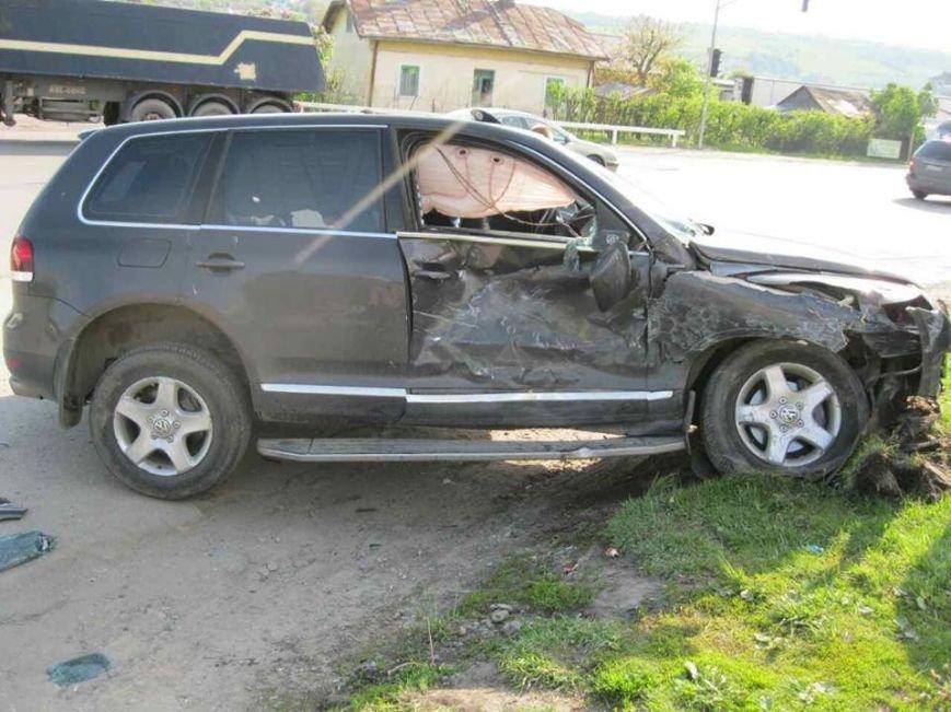 З'явилися фото з місця ДТП на Львівщині, внаслідок якої постраждало п'ятеро людей, фото-4
