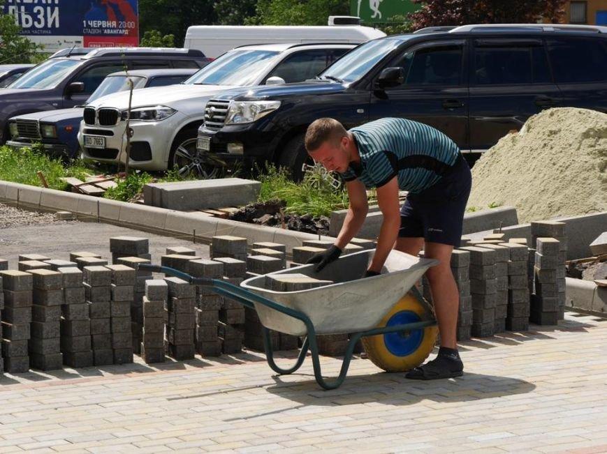 В Ужгороді триває капремонт на Заньковецької та Легоцького вартістю півмільйона гривень: фото, фото-4