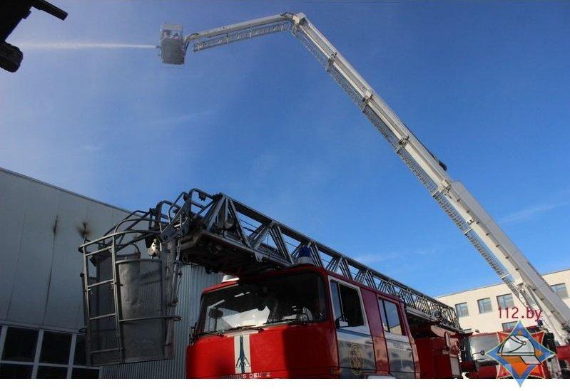 """Пожар на """"Стекловолокно"""" тушили почти 50 человек. Угрозы окружающей среде нет – МЧС, фото-5"""