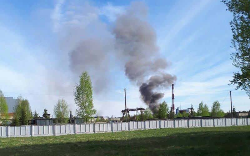 """Пожар на """"Стекловолокно"""" тушили почти 50 человек. Угрозы окружающей среде нет – МЧС, фото-3"""