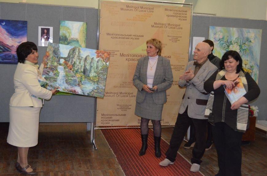 В Мелитополе состоялось открытие художественной выставки «Дыхание весны», фото-11