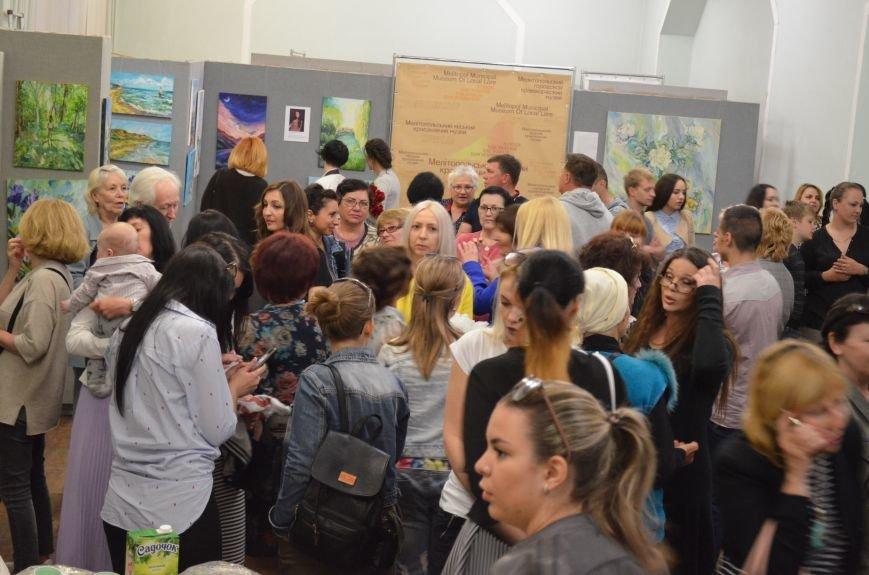 В Мелитополе состоялось открытие художественной выставки «Дыхание весны», фото-5