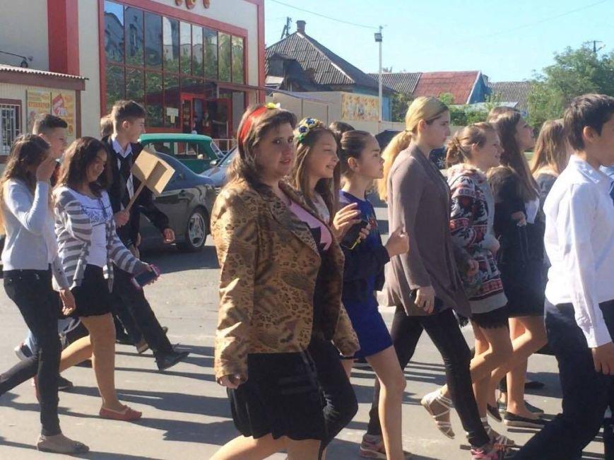"""""""Це модно!"""" Более 1000 юных мариупольцев вышли на парад в вышиванках (ФОТО, ВИДЕО), фото-3"""