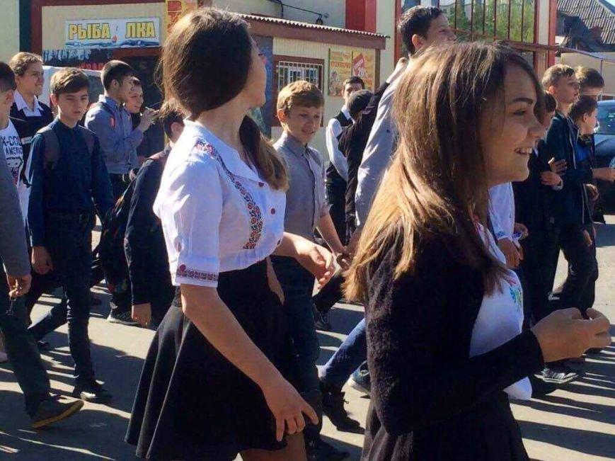"""""""Це модно!"""" Более 1000 юных мариупольцев вышли на парад в вышиванках (ФОТО, ВИДЕО), фото-2"""