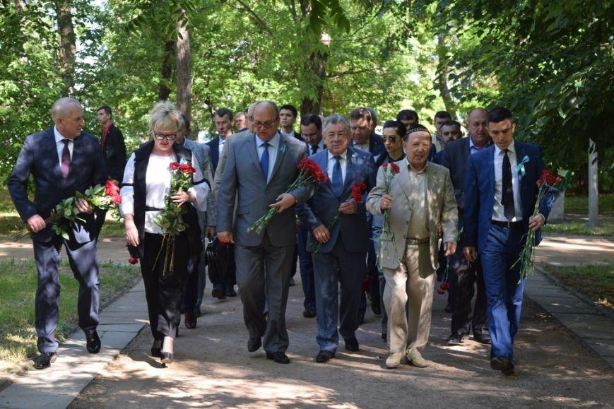 В Симферополе возложили цветы к памятникам, посвященным жертвам депортации (ФОТО), фото-5