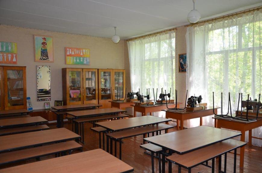 В Мариуполе родители обещают взять в руки оружие, чтобы спасти школу от закрытия (ФОТО+ВИДЕО), фото-13