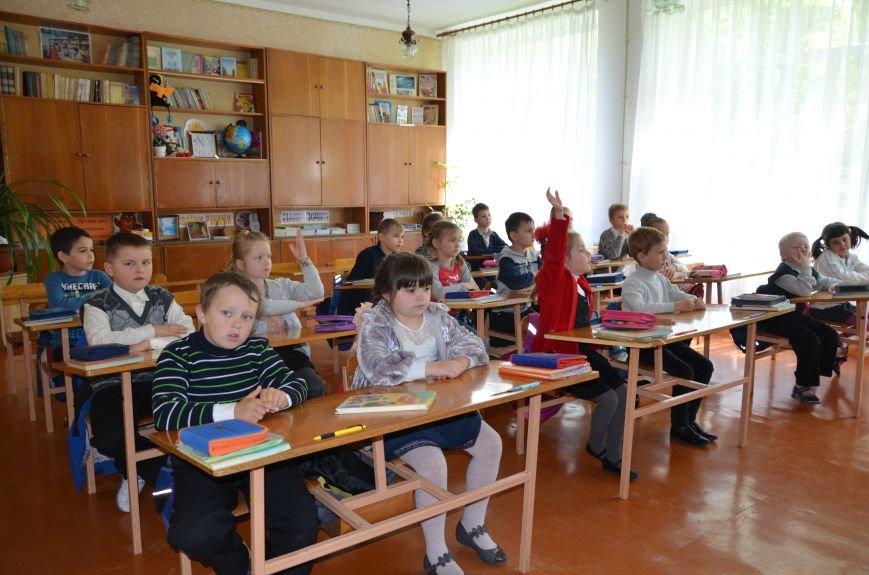 В Мариуполе родители обещают взять в руки оружие, чтобы спасти школу от закрытия (ФОТО+ВИДЕО), фото-3