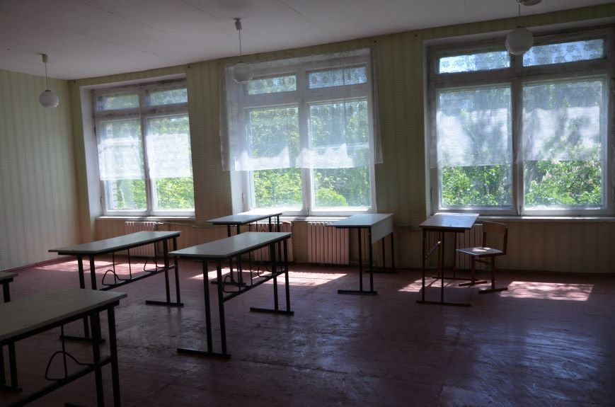 В Мариуполе родители обещают взять в руки оружие, чтобы спасти школу от закрытия (ФОТО+ВИДЕО), фото-5
