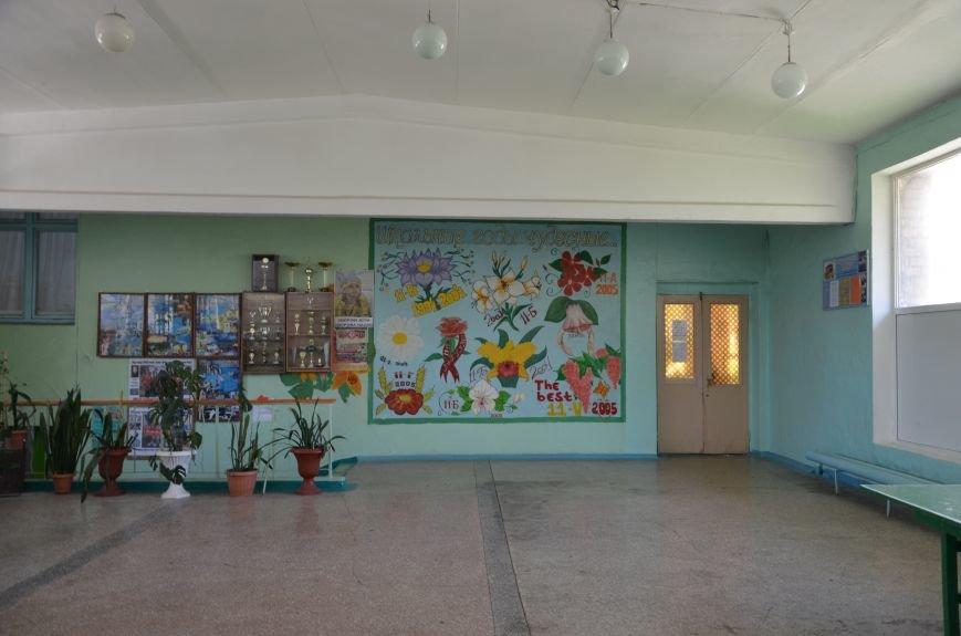 В Мариуполе родители обещают взять в руки оружие, чтобы спасти школу от закрытия (ФОТО+ВИДЕО), фото-9