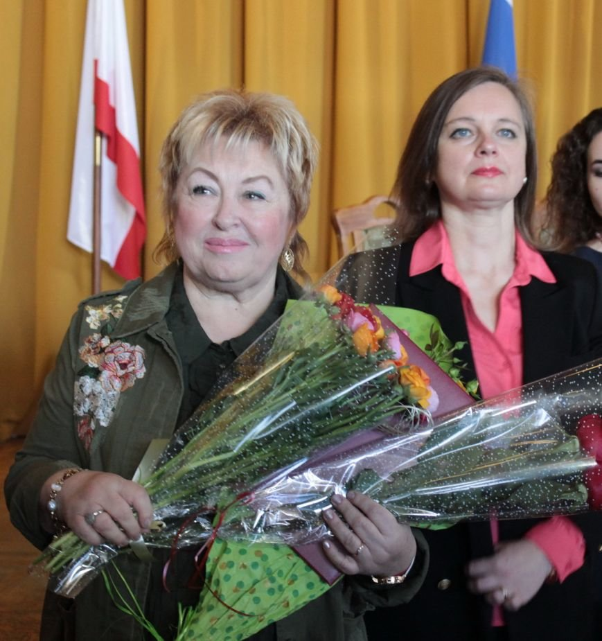 В администрации города Ялты поздравили именинников и наградили лучших ялтинцев (2)