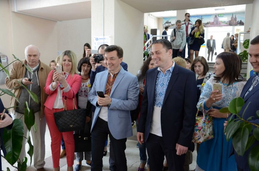 В Каменском презентовали мобильный офис ЦПАУ, фото-1