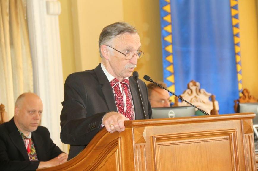 Депутати Львівської міськради прийшли на роботу у вишиванках: фоторепортаж, фото-5