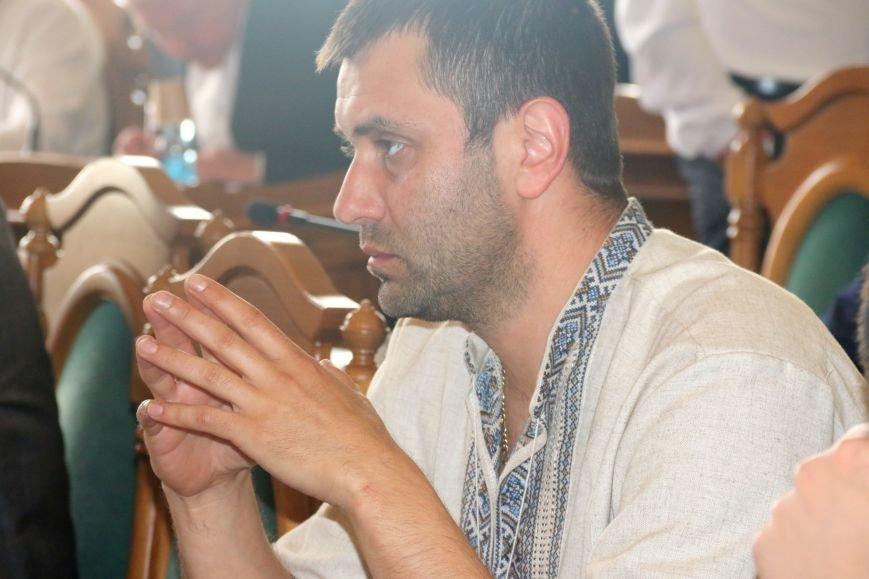 Депутати Львівської міськради прийшли на роботу у вишиванках: фоторепортаж, фото-10
